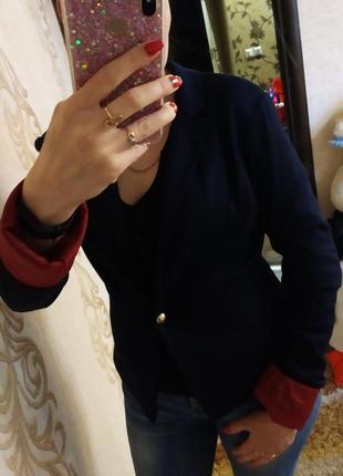 Женский пиджак. тёмно-синего цвета. размер s