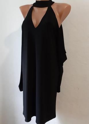 Стильное платье со спущеным рукавом