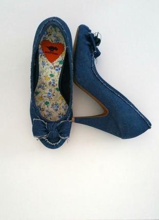 Стильные джинсовые туфли из синего денима новые размер 39, 40