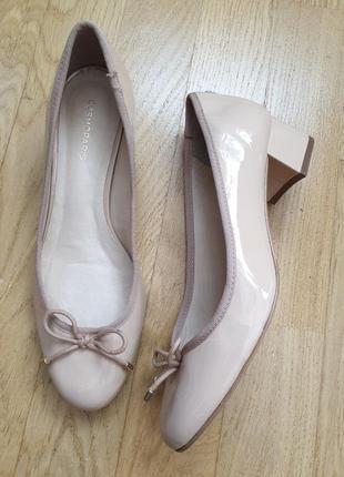 Туфлi із натуральної шкіри