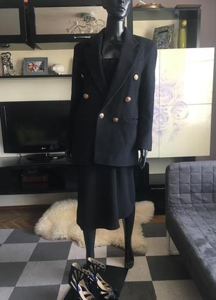 Трендовый двубортный шерстяной пиджак must have