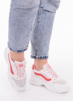 Белые летние кроссовки в сеточку на толстой подошве3 фото