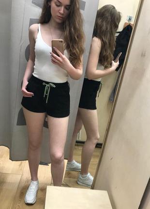 Плюшевые шорты с неоновым шнурком bershka4 фото