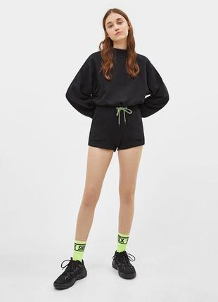 Плюшевые шорты с неоновым шнурком bershka1 фото