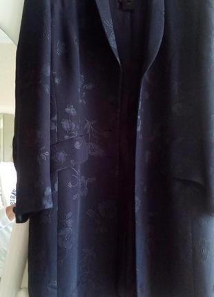 Шикарное👰 эксклюзивное👰 шёлковое летнее  пальто тренч плащ  с шёлковой вышивкой escada
