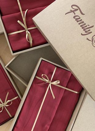 Очень прочный комплект постельного белья из бордового страйп-сатина № 10-102