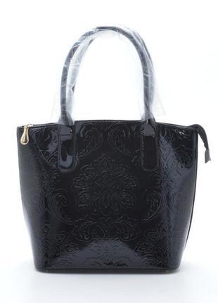 Лаковая женская сумка с тиснением 68702 черная