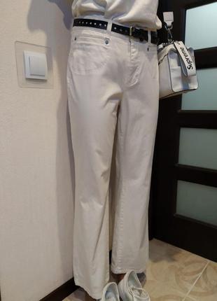 Отличные джинсы брюки прямого покроя 7/8 белые летние