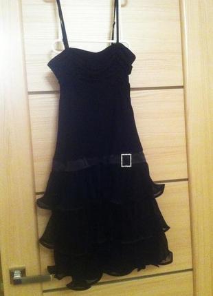 Вечернее платье-ретро с пышными рюшами-плиссе от danza