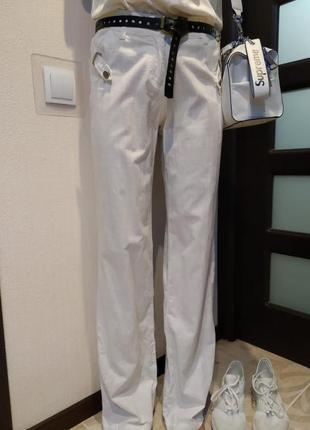 Отличные джинсы брюки белые прямого покроя в пол хлопковые