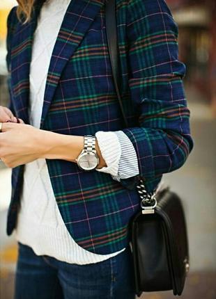 Классический костюм в клетку. пиджак и юбка .клетчатый костюм с юбкой и пиджаком.с