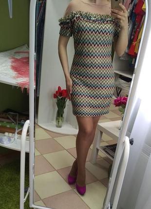 Оригинальное яркое летнее мини-платье