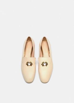 Натуральные кожаные лоферы, туфли с крабиками zara