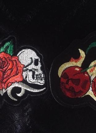 Красивые нашивки патчи вишни роза череп