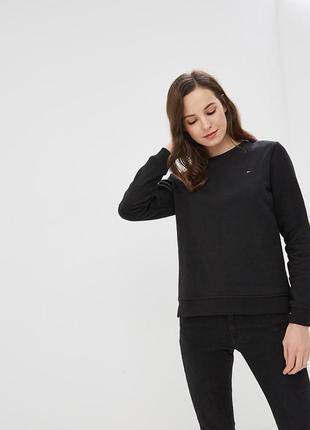Качественный свитер крутого бренда