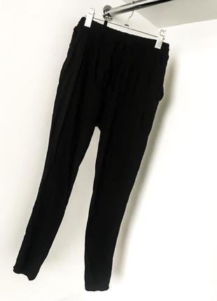 Чёрные штаны брюки летние лёгкие на резинке шнурок манжеты с карманами высокая завышенная