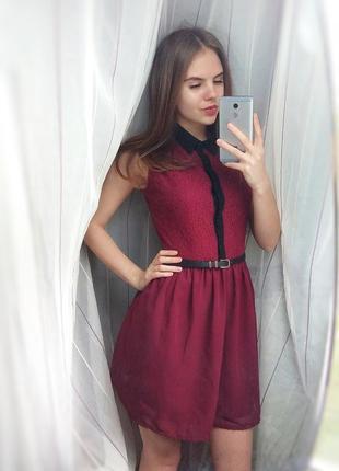 Шикарное платье цвета марсала