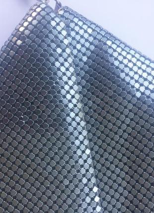 Серебристая летняя сумка клатч металлик на цепочке