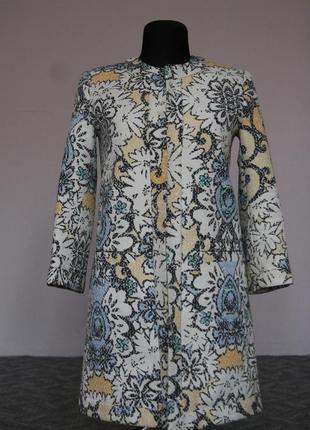 Стильное весеннее пальто oodji