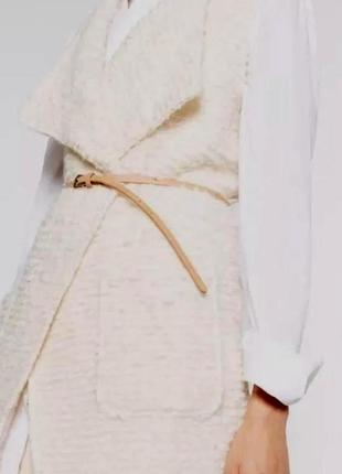 Zara. стильный жилет, кардиган без рукавов. комбинированный