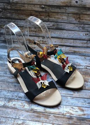 Распродажа! черные босоножки на низком ходу с бабочками все размеры!