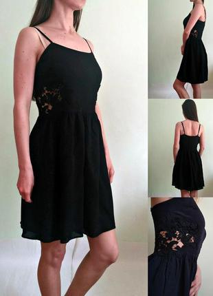 Красиейшее платье с кружевными ставками на талии