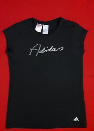 Стильная коттоновая футболка adidas