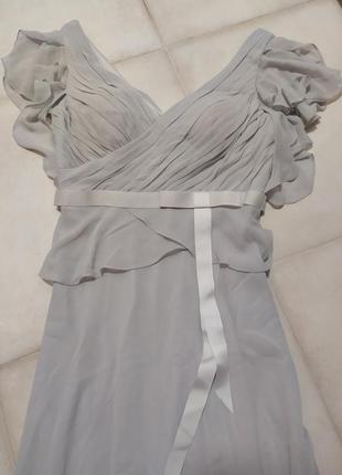 Платье неимоверно красивое нежное mascara