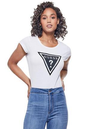 Гесс футболка с треугольным логотипом