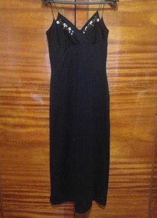 Стильное приталенное платье на бретелях с вышивкой / today's woman /англия / l