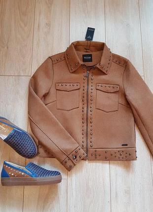 Легкая куртка - пиджак guess. новая