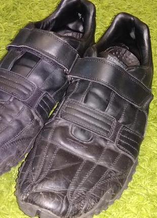 Кожаные кроссовки кеды на липучках