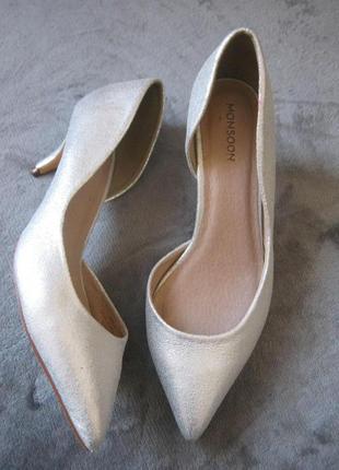 Обалденные перламутровые кожаные туфли лодочки