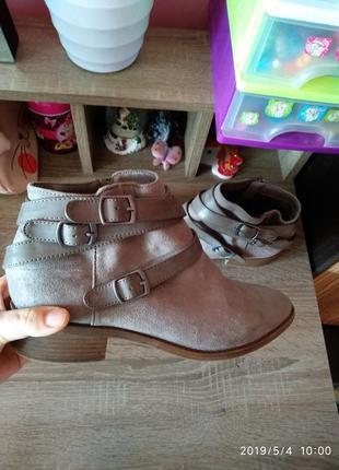 Замшевые челси ботинки с пряжками dorothy perkins,размер 7(40)