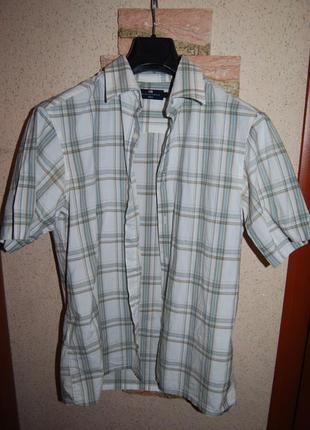 Отличная рубашка в клетку на коротком рукаве