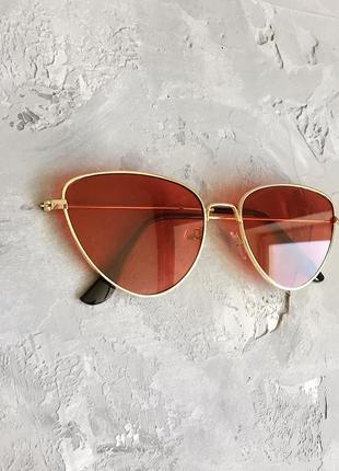 Солнцезащитные очки лисички с красными линзами4 фото