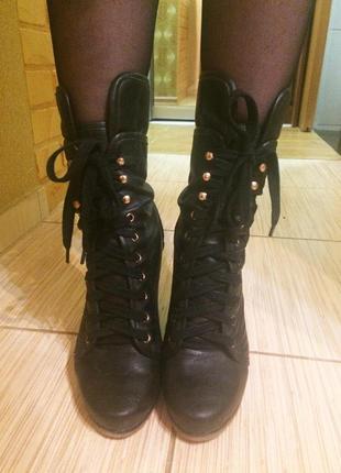 Кожаные ботильоны сапоги на шнуровке