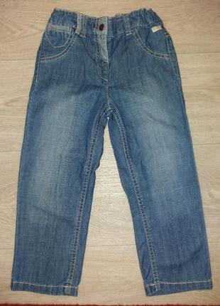Фирменные джинсы на девочку