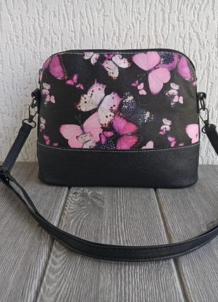 Яркая сумка с принтом бабочек