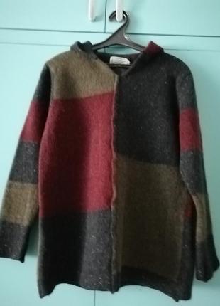 Теплый не колючий ирландский свитер с копюшоном