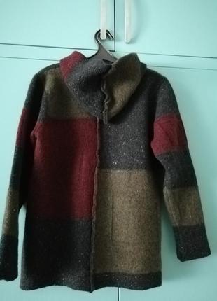 Теплый не колючий ирландский свитер с копюшоном2 фото