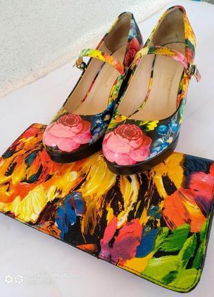 Лаковые туфли на толстом каблуке в подарок клатч