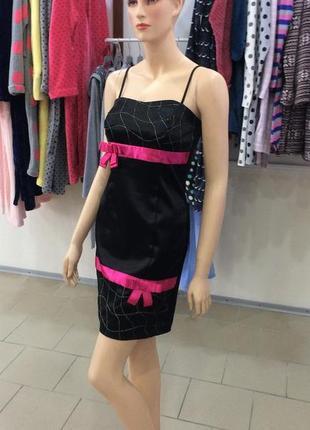 Очень красивое атласное платье! 46-м, состояние нового!