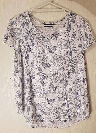 Блуза с цветочным принятом. размер м