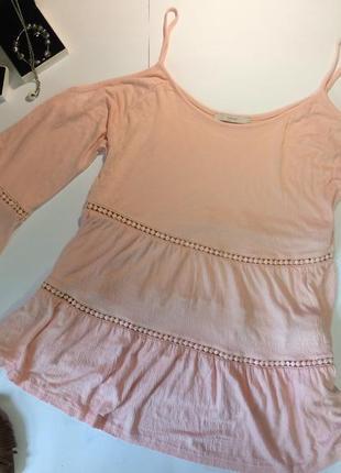 Персиковая блуза с открытыми плечами george l
