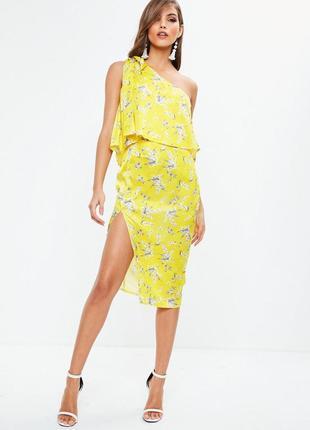 Нежное сатиновое платье в цветы