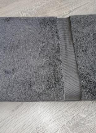 Плотное банное полотенце
