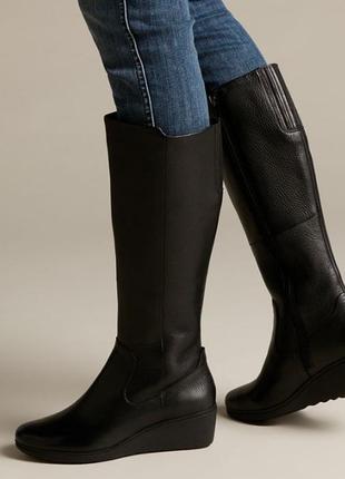 Женские высокие кожаные сапоги на танкетке clarks un talla 37,5 - 38 р. новые оригинал