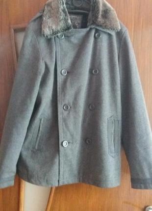 Стильне фірмове  тепленьке   пальто тренч  піджак