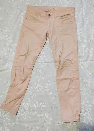 Пудровые розовые брюки джинсы хлопок